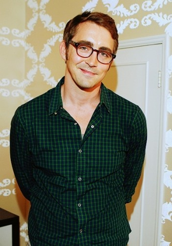 lee-with-glasses-lee-pace-2885543-400-569