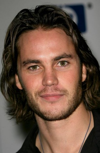 taylor-kitsch-headshot