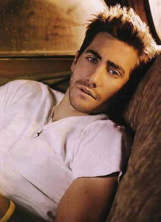 http://melificent.com/wp-content/uploads/2010/03/jake-gyllenhaal-thumb.jpg